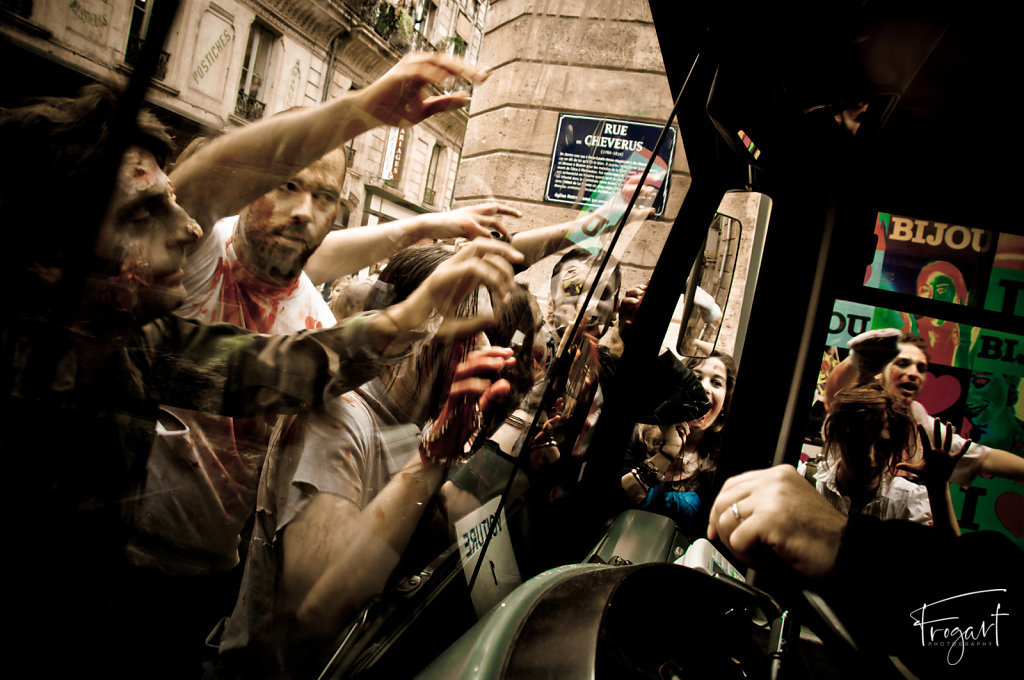 Zombie-Walk-Bordeaux-2011-8.jpg