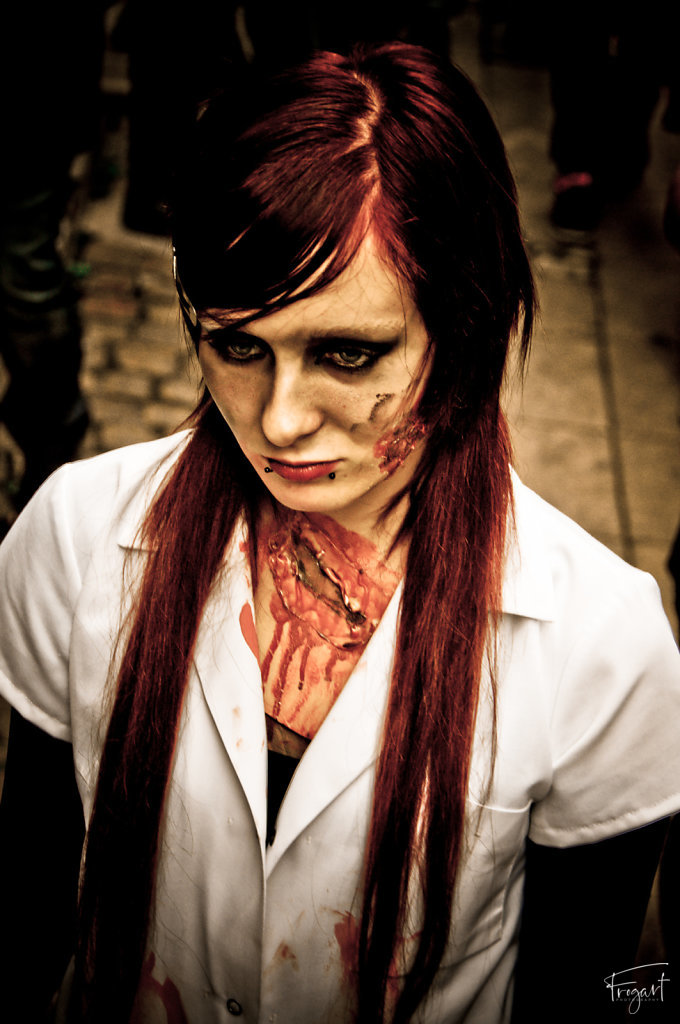 Zombie-Walk-Bordeaux-2011-5.jpg